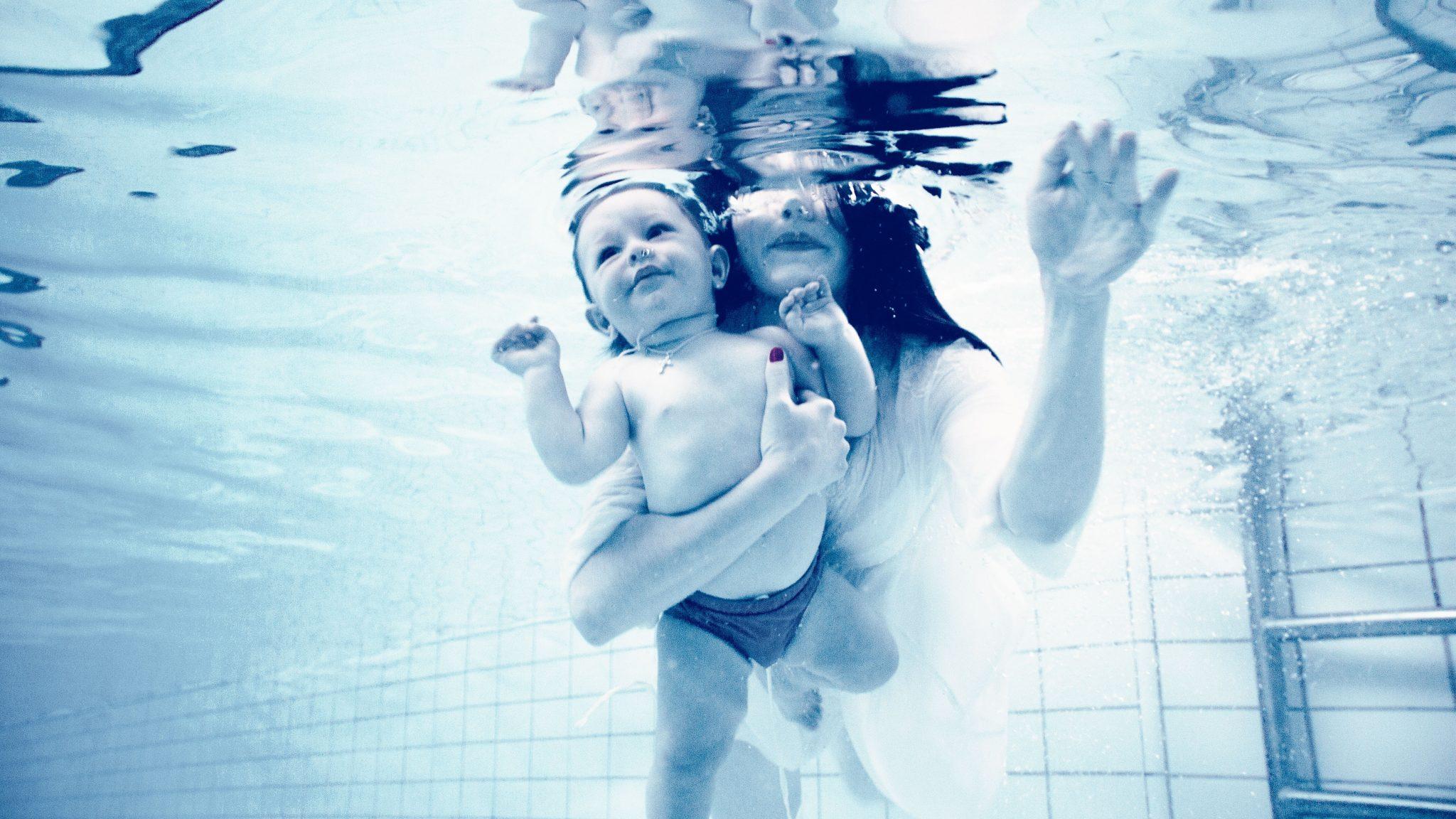 Z dzieckiem na basenie. Wspólna aktywność pełna korzyści❤