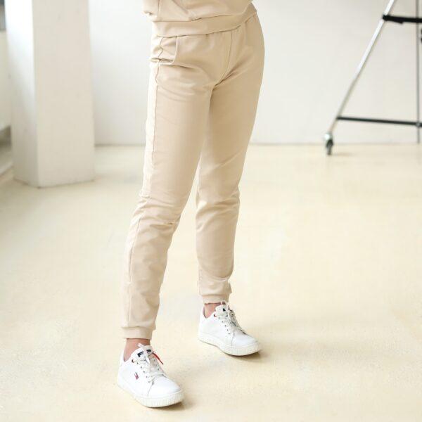 Spodnie dresowe z kieszeniami bezowe 028 bok LAVEL