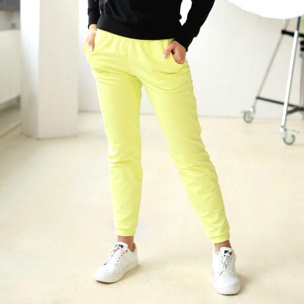 Spodnie dresowe z kieszeniami limonkowe 030 bok LAVEL