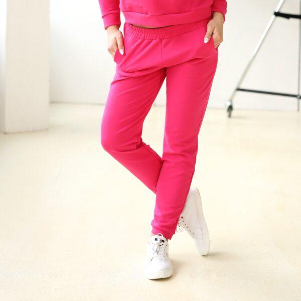 Spodnie dresowe z kieszeniami rozowe 029 bok LAVEL